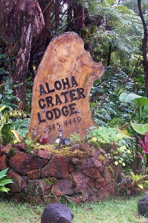 Aloha Crater Lodge: bed and breakfast entrance