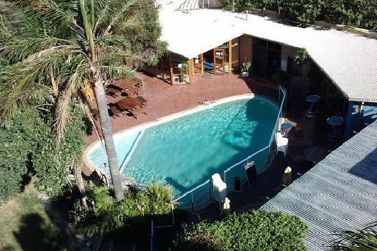 إنديان أوشن هوتل: Pool from 5th floor.
