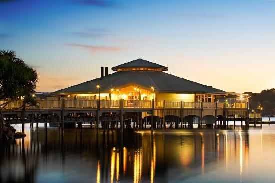 Novotel Twin Waters Resort : Lily's on the Lagoon
