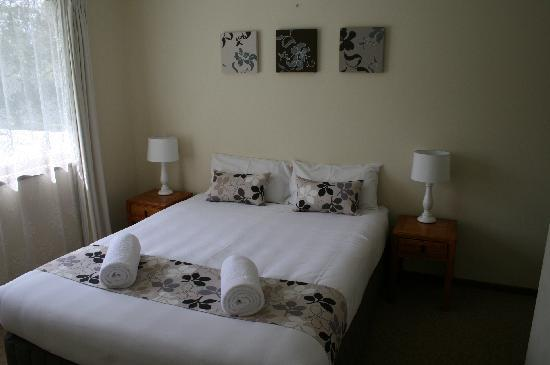 Montville Holiday Apartments : Mountain View Apartment Bedroom