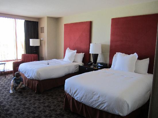 Palms Casino Resort: 2 x queen beds