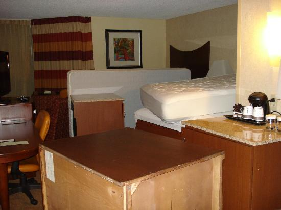 DoubleTree by Hilton Murfreesboro: surplus furniture room in full view