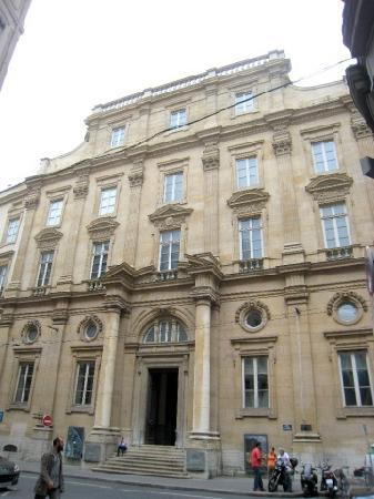Musée des Beaux-Arts de Lyon : the eastern entrance président Edouart Herriot street