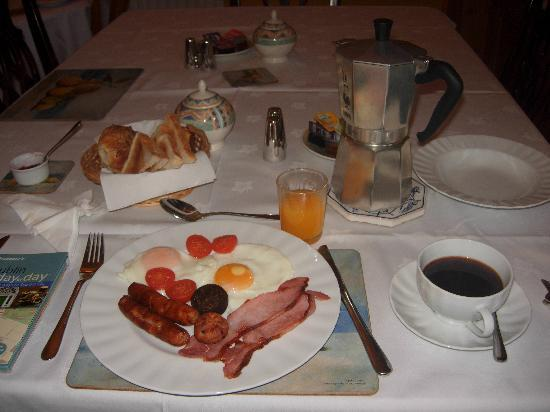Azalea Lodge: Bernadette's delicious full irish breakfast