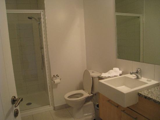 Distinction Wanaka: bathroom