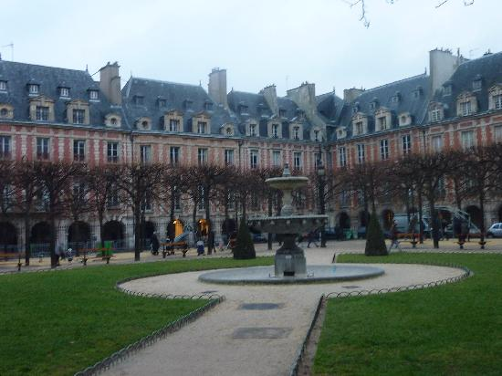 Paris, France: Place de Vogayes