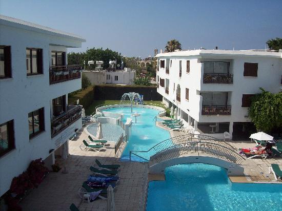 Sofianna Hotel Apts.: View of Pool
