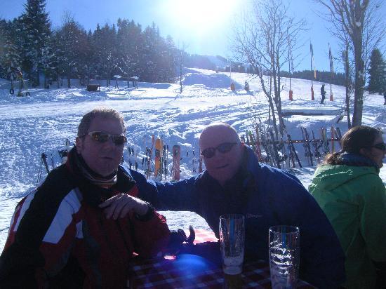 St. Johann in Tirol, Austria: Slight break in the skiing