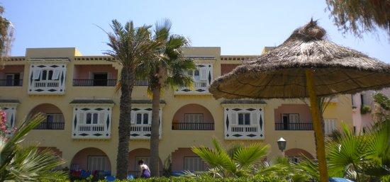 Houda Golf and Beach Club: Vu sur un Batiment
