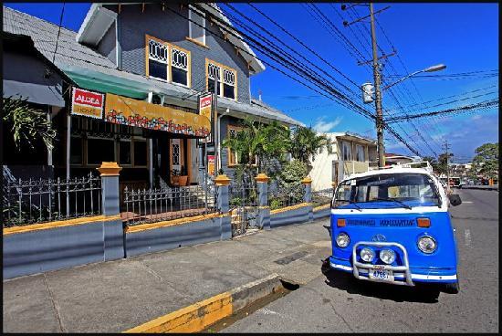 Aldea Hostel San Jose: Life is Good @ Aldea