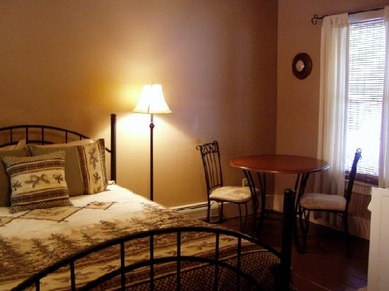 Snow Goose Bed and Breakfast: Legacies room