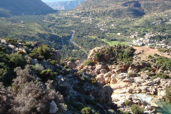 Imouzzer des Ida Outanane, Maroc : A view down the valley from just below the hotel