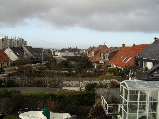 Hotel Residence du Golf : viiew from room window