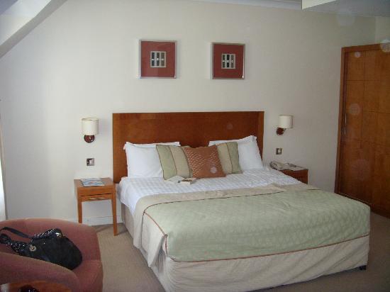 Wild Pheasant Hotel & Spa: Suite bedroom