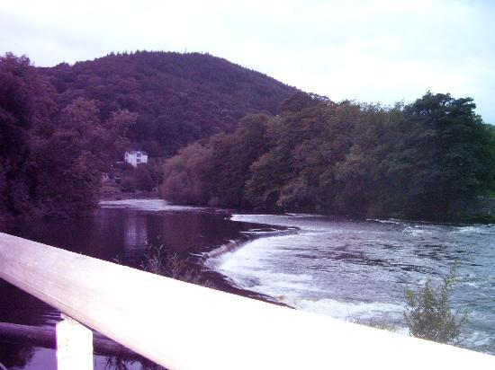 Wild Pheasant Hotel & Spa: View of river Dee from pub- stunning