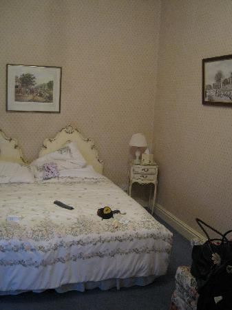 Tufton Arms Hotel: Shabby Chic - or just Shabby ?