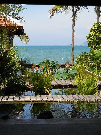 Evason Ana Mandara Nha Trang : jardin vue mer