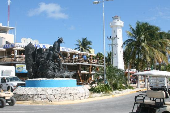Cancun Catamaranes: Isla Mujeras
