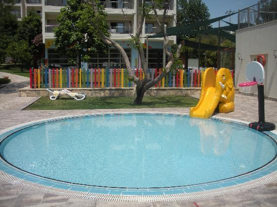 Kids Pool With Kids Club In Background Picture Of Barut Hemera