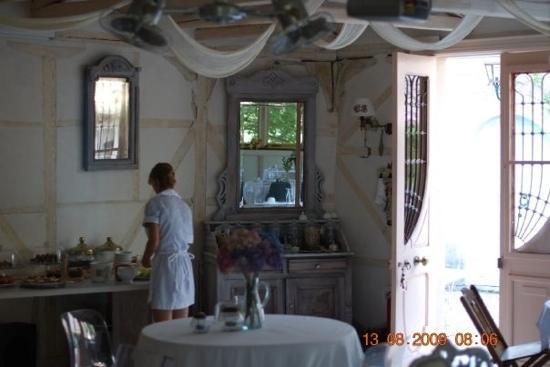 Pavezzo Country Retreat: Breakfast room