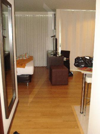 Estelar Apartamentos Medellin: From the door looking in