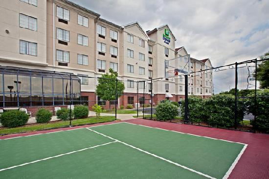 Holiday Inn Express and Suites Indianapolis East: Exterior Sports Court View