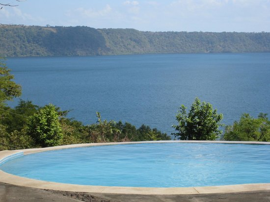 Apoyo Resort : the upper pool