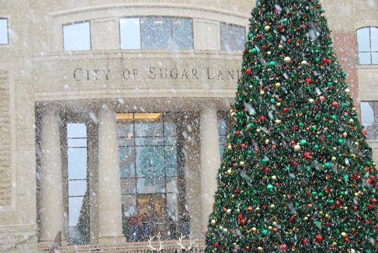 Sugar Land, TX: Town square 1st snow in years!