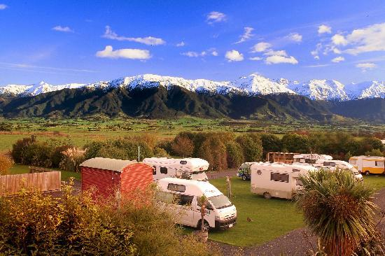 Alpine-Pacific Holiday Park: Views from campground
