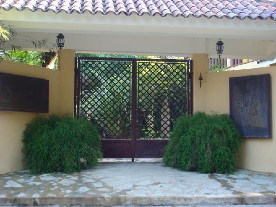 Bali Hai Cabarete Townhouses: The Gates To Bali Hai