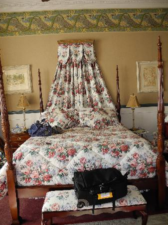 The McClelland-Priest Bed & Breakfast Inn: The bed, very comfortable.