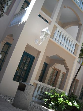 Caribbean Palm Village Resort : mediterranean buildings