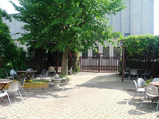 Rondo Kohvik : Summer garden