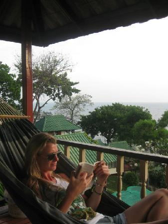 Family Tanote Bay Resort: Hammock on the veranda and the amazing view