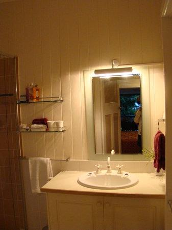 Fern Cottage B&B: bathroom