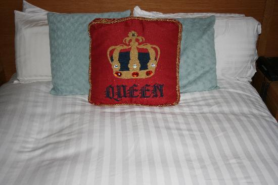 Ambassador Hotel: A Bed Fit for a Queen
