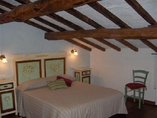 Bed breakfast l 39 arcadia pietrasanta itali foto 39 s reviews en prijsvergelijking tripadvisor - Kleedkamer voor mansard kamer ...