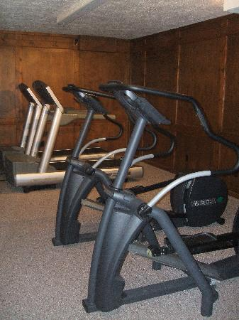 Water's Edge Inn: Fitness Center