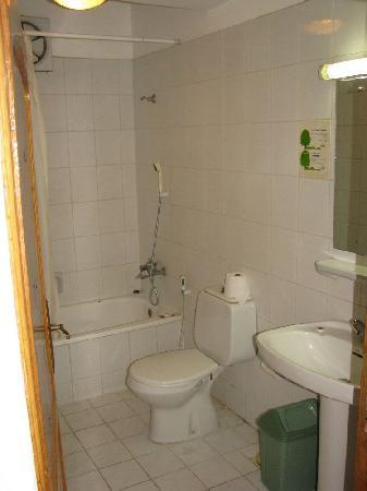 Taj Shamsan Hotel: Bathroom
