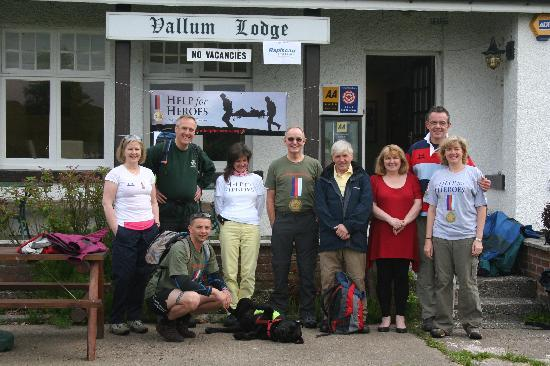 Vallum Lodge Guest House: The team about to set off for the last leg