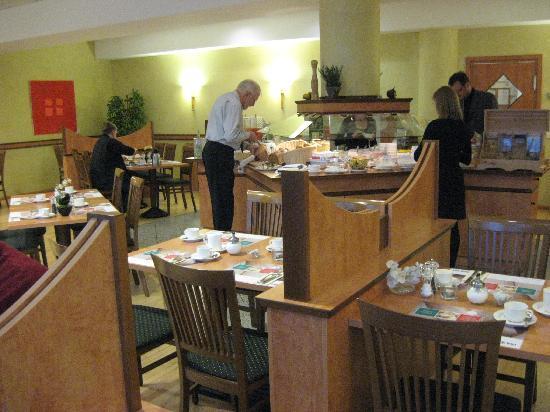 Park Inn by Radisson Berlin City West: Breakfast