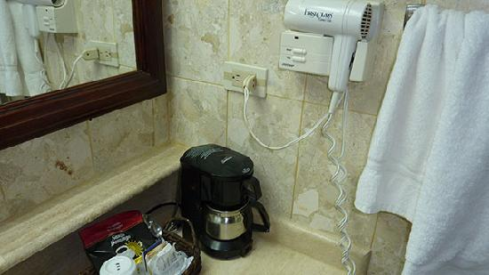 Be Live Collection Marien: coffee maker in bathroom?