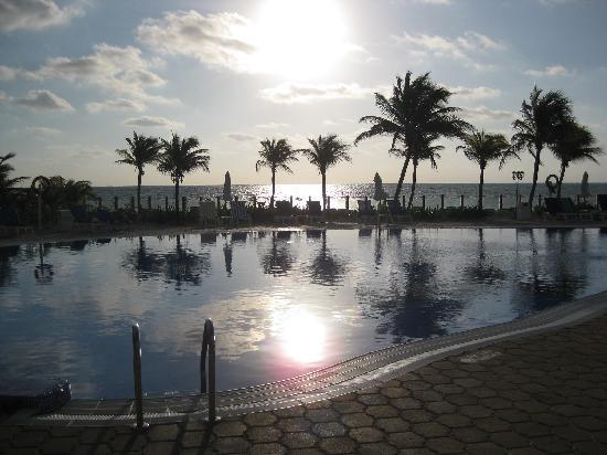 Ocean Maya Royale: Sunrise over pool