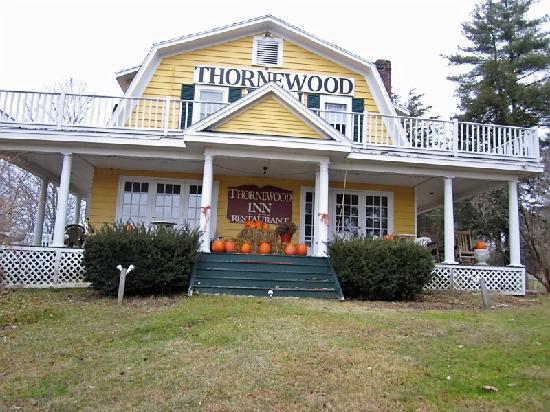 Thornewood Inn : front outside