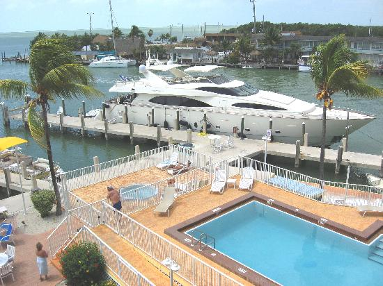 Anchorage Resort & Yacht Club: pool and dock