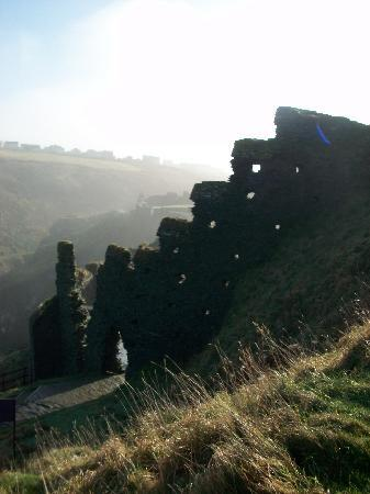 Tintagel Castle: View retreating back down the hill