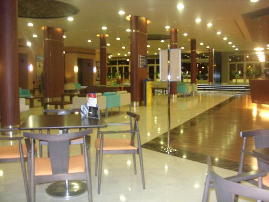 Evenia Olympic Palace: reception/lobby