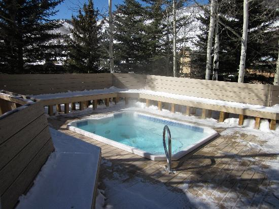 VRI Streamside at Vail - Cedar : Cedars building hot tub