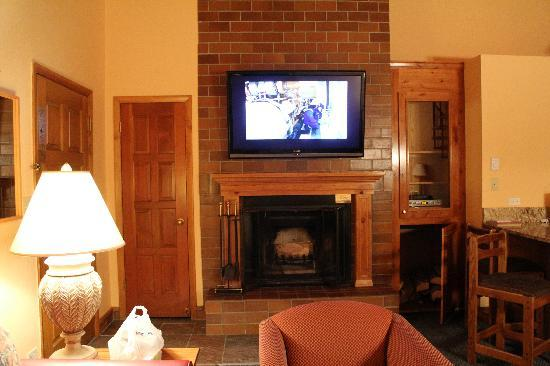 VRI Streamside at Vail - Cedar: Living room