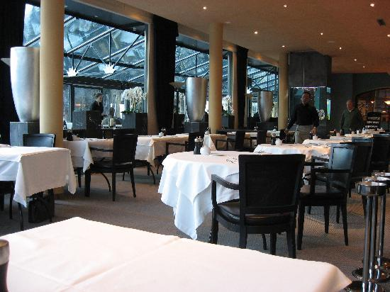 Lenkerhof gourmet spa resort: main dining room